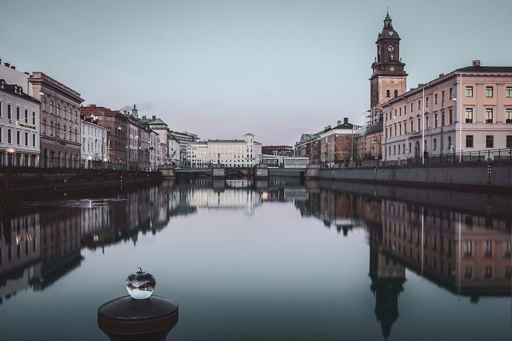 Poster: Dawn in  Gothenburg - Places & Cities