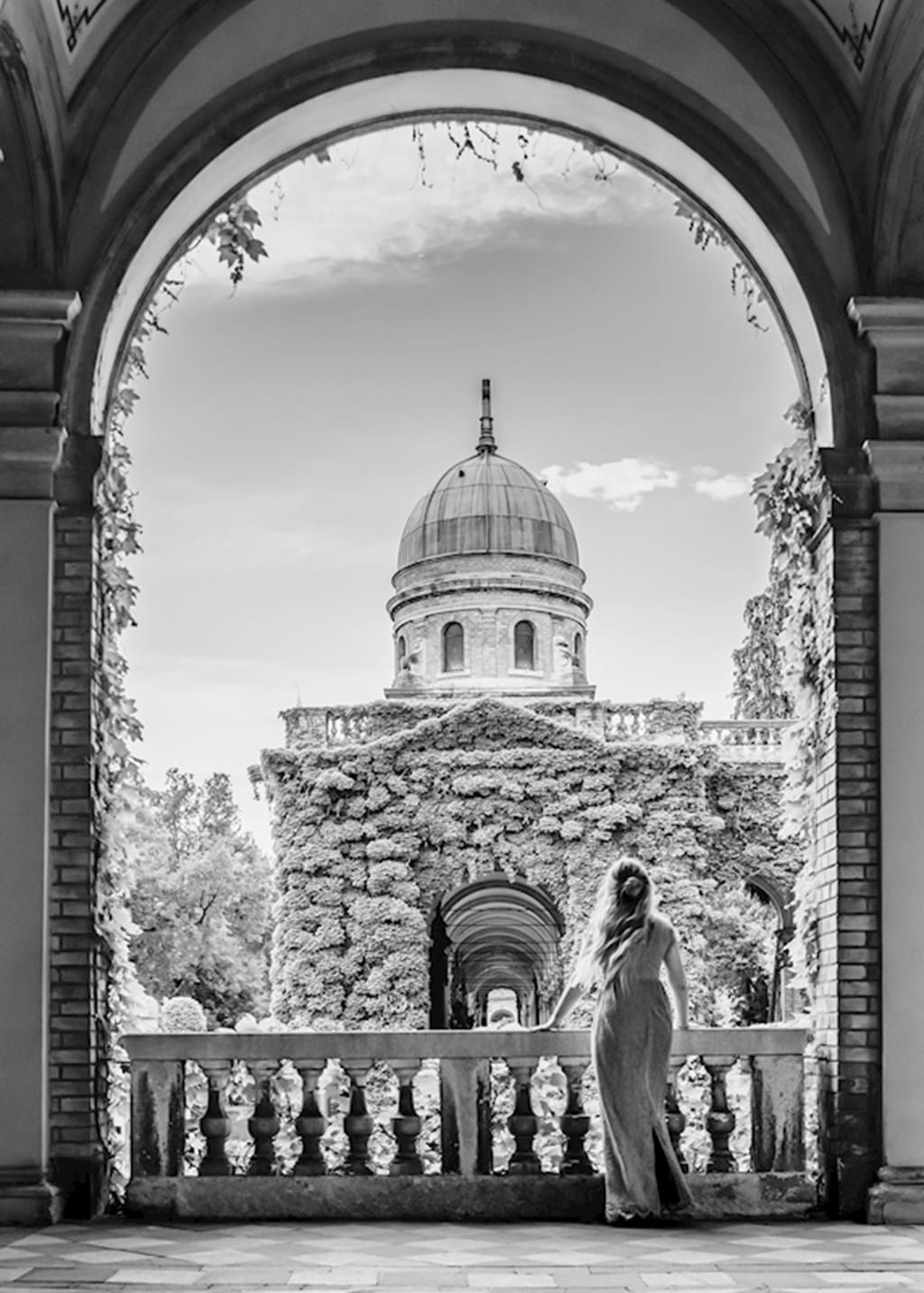 Poster: Mirogoj - B&W Fairytale No3 - Digital