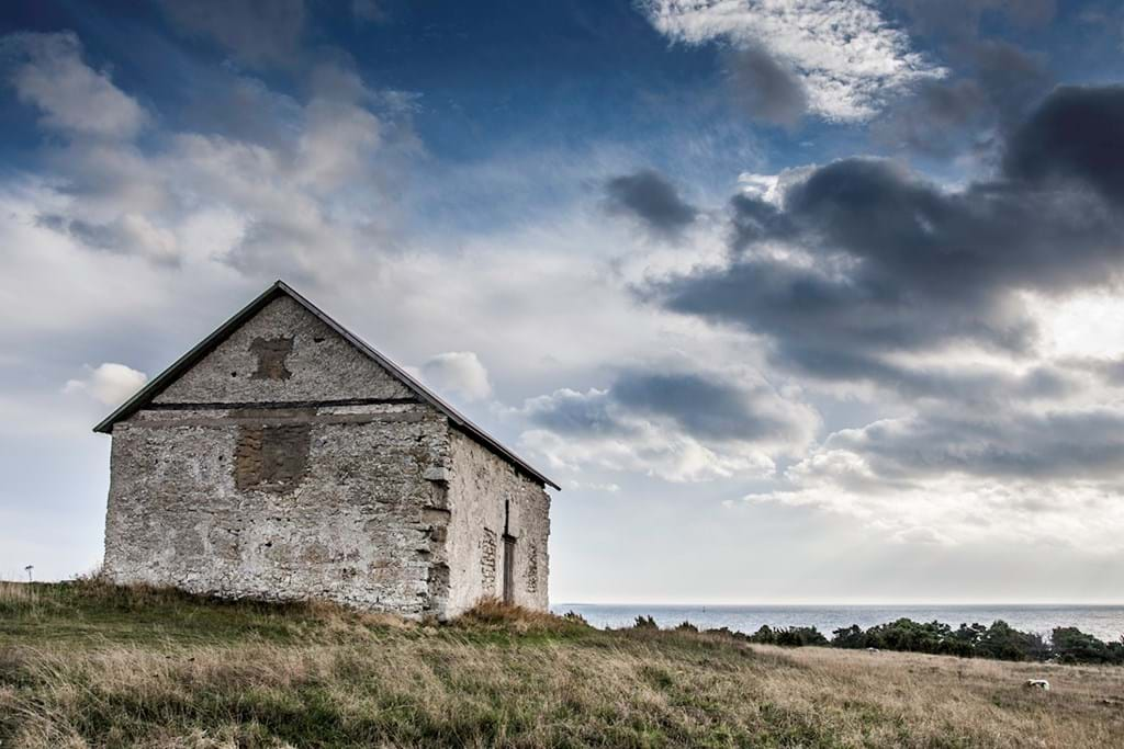 Poster: Old lonely house - Gotland - Architecture & Design