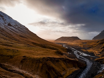 Iceland valley drone @ sunset