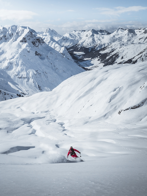 Freeriding at the Arlberg posters & prints by Roman Huber